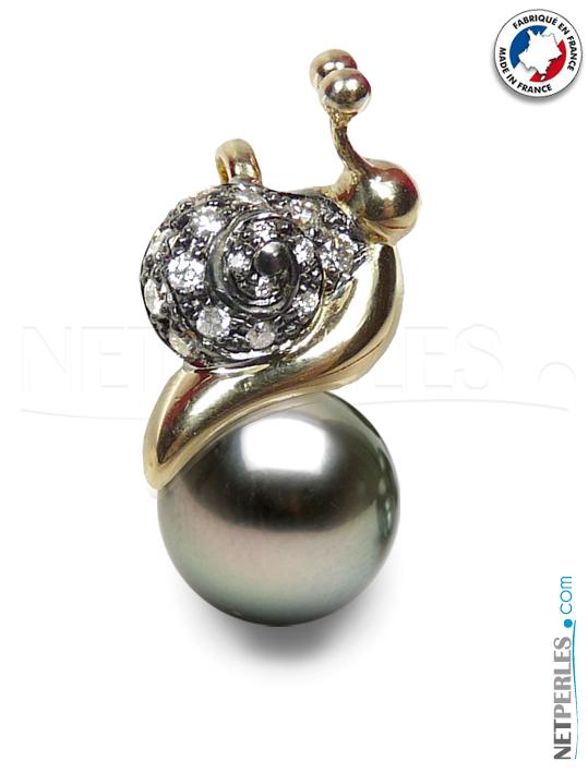 Pendentif en Or 18 carats avec diamants et perle noire de tahiti