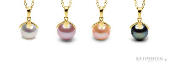 Pendentif Feuille avec les perles d'eau douce