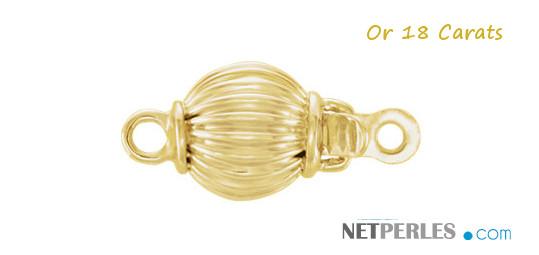 Fermoir rond strié en Or 18 carats, disponible en or jaune ou en or gris