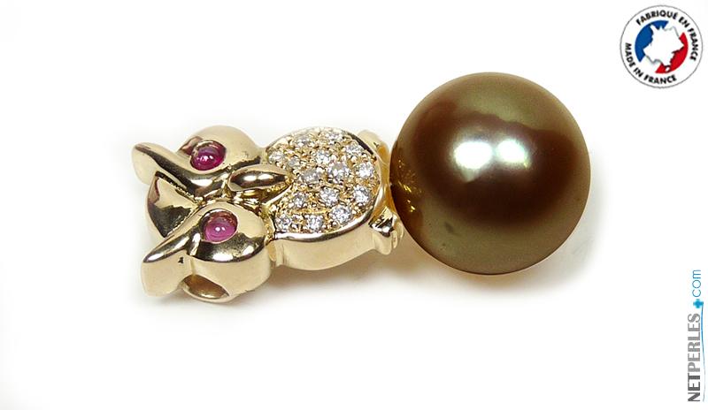 Bijou en or fait à la main avec perle de Tahiti de 10 à 11 mm qualite AAA