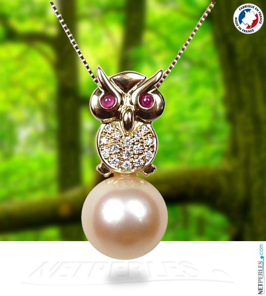 Bijou de joaillerie haut de gamme en forme de Hibou en Or jaune et diamants avec perle doree d'australie
