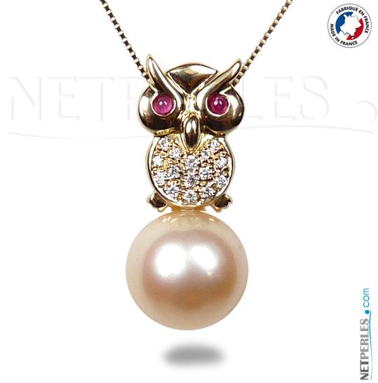 Pendentif collier en or 18 carats representant un Hibou avec 15 Diamant et perle doree d'australie