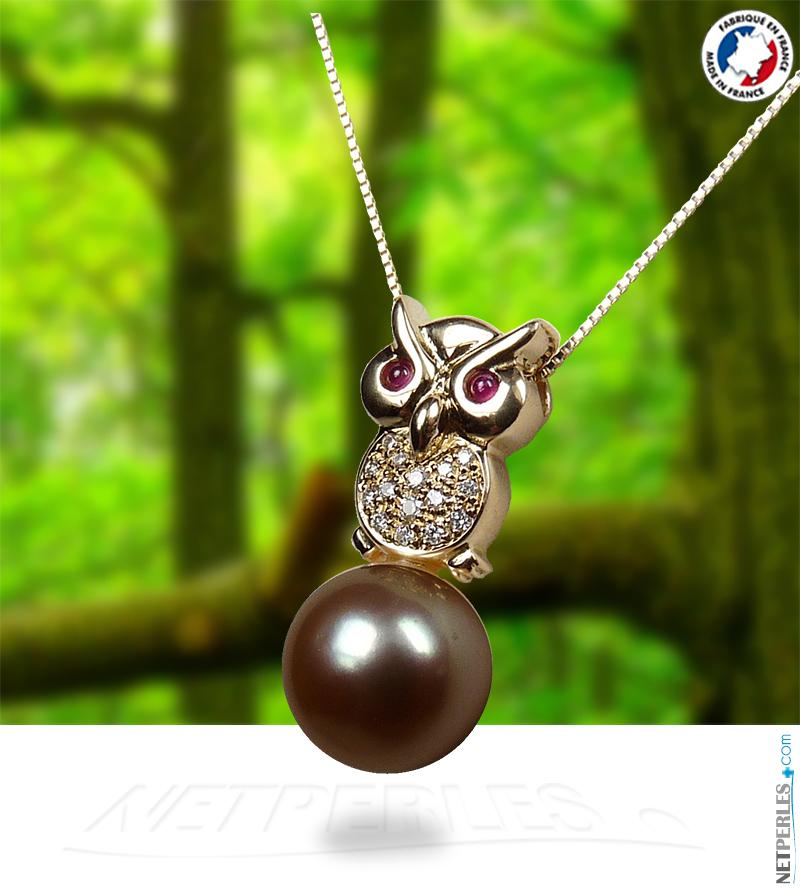 Bijou en or 18 carats et diamants avec perle de Tahiiti qualite AAA