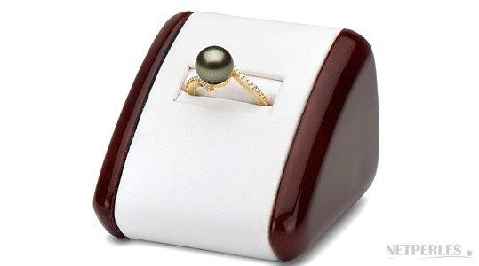 Bague Karma en or jaune avec perle de Tahiti 9-10 mm AAA