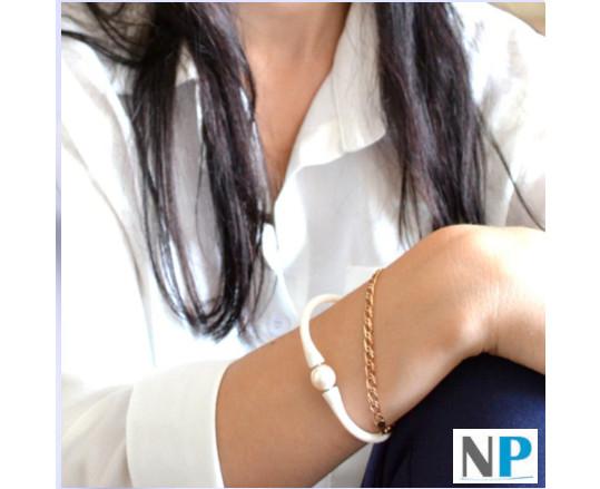 Bracelet en silicone (au choix ) avec perle d'eau douce blanche