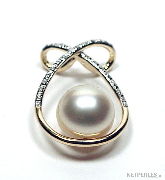 Pendentif Or jaune 18 carats et diamants et perle de culture blanche