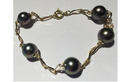Bracelet en Or 18 carats maille cheval avec 5 perles de Tahiti