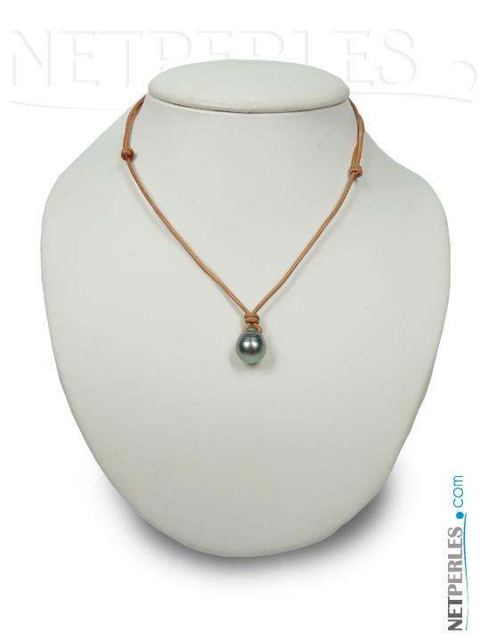 Pendentif perle noire de tahiti avec lien de cuir