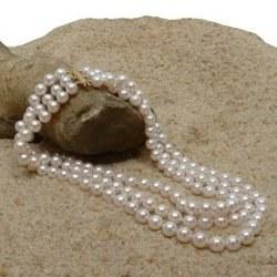 Collier de trois rangs de 35 cm de perles d'Akoya 6-6,5 mm