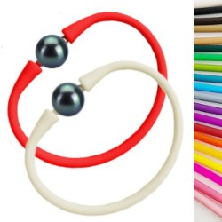 Bracelet en silicone avec perle d'eau douce noire