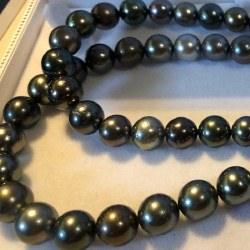 Long Collier 86/88 cm de perles de Tahiti de 8,5 à 11 mm qualité AA/AA+