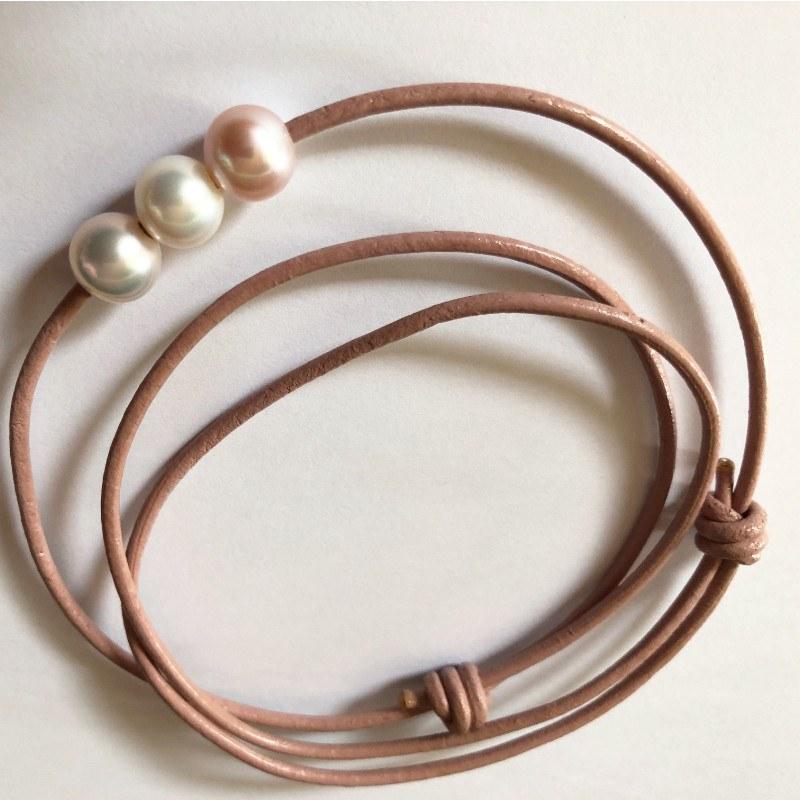 Cordon de cuir nœuds coulissants avec 3 perles d'Eau Douce rondes AAA