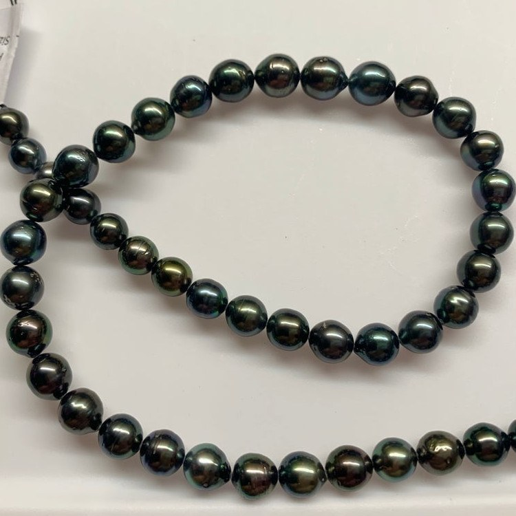 Collier 44 cm de perles de Tahiti, de 8-9,9 mm presque rondes à rondes AA/AA+