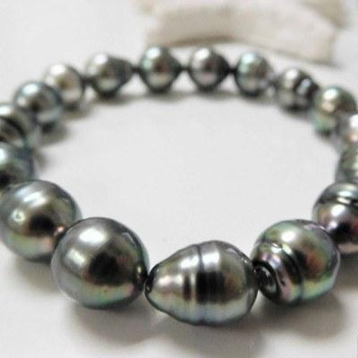 Bracelet de perles baroques de Tahiti de 8 à 10 mm sur élastique